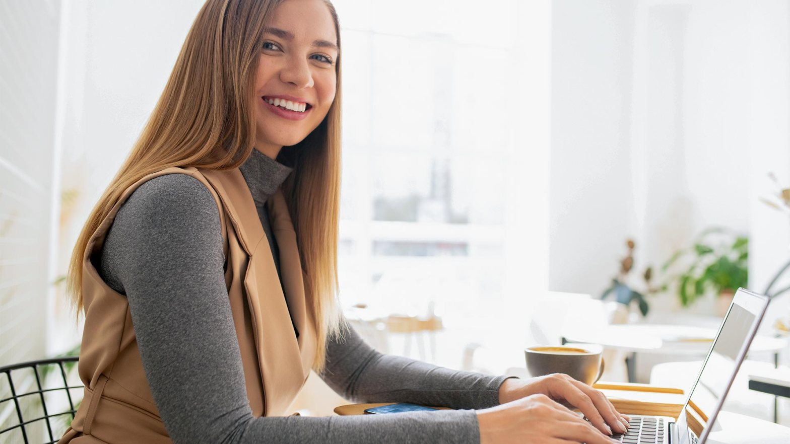 Virtual assistant working from home taking notes